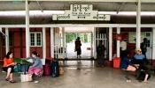 Railway_station_CA10260_Pyin_Oo_Lwin05