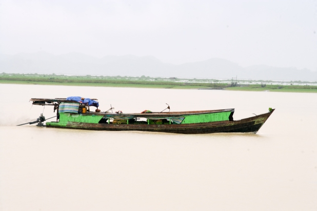 Boat on Kanadan River 2