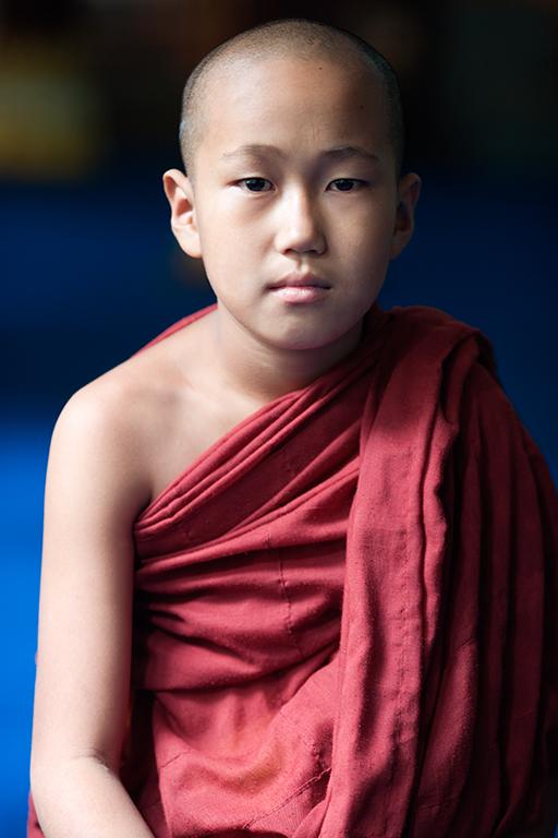 Young munk 2 in Yangon