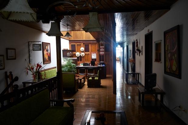 Reception desk Casa Real Salamina