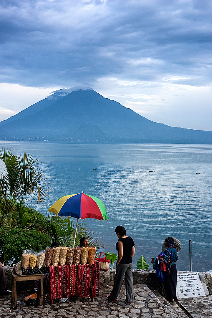 The lake Atitlán shore
